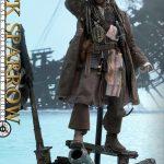 Hot-Toys---POTC5---Jack-Sparrow-collectible-figure_PR1