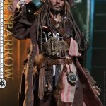Hot-Toys---POTC5---Jack-Sparrow-collectible-figure_PR11