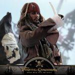 Hot-Toys---POTC5---Jack-Sparrow-collectible-figure_PR16