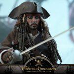 Hot-Toys---POTC5---Jack-Sparrow-collectible-figure_PR20