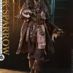 Hot-Toys---POTC5---Jack-Sparrow-collectible-figure_PR9