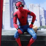 Hot-Toys---SMHC---Spider-Man-Collectible-Figure-(Deluxe-Version)_PR10