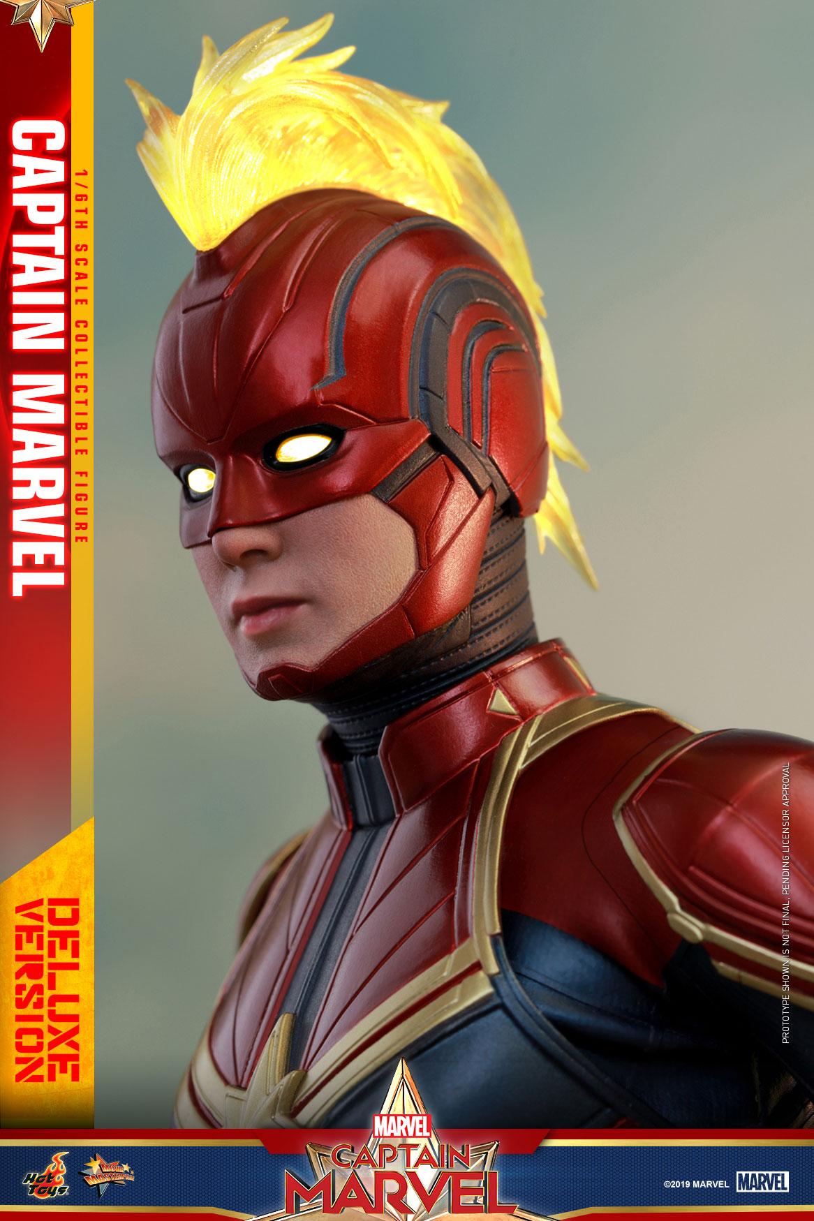 Hot-Toys---Captain-Marvel---Captain-Marvel-collectible-figure-(Deluxe)_PR14