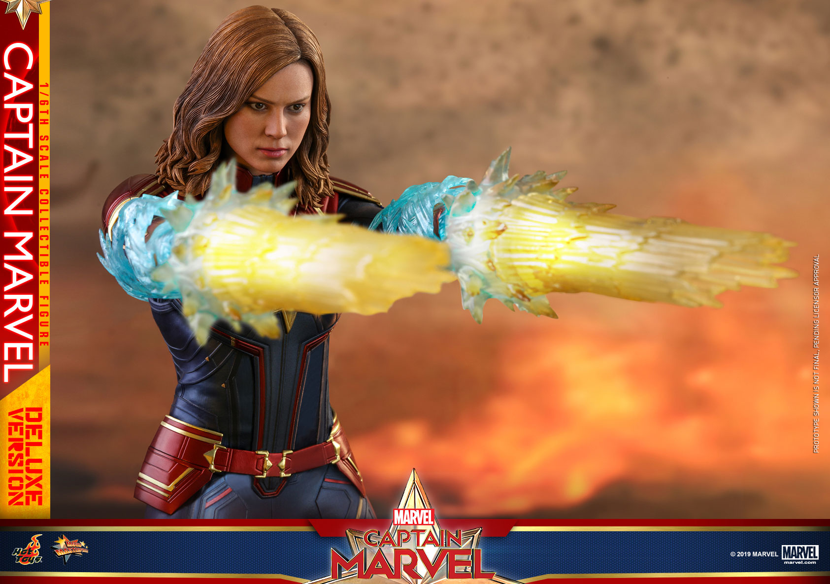 Hot-Toys---Captain-Marvel---Captain-Marvel-collectible-figure-(Deluxe)_PR20