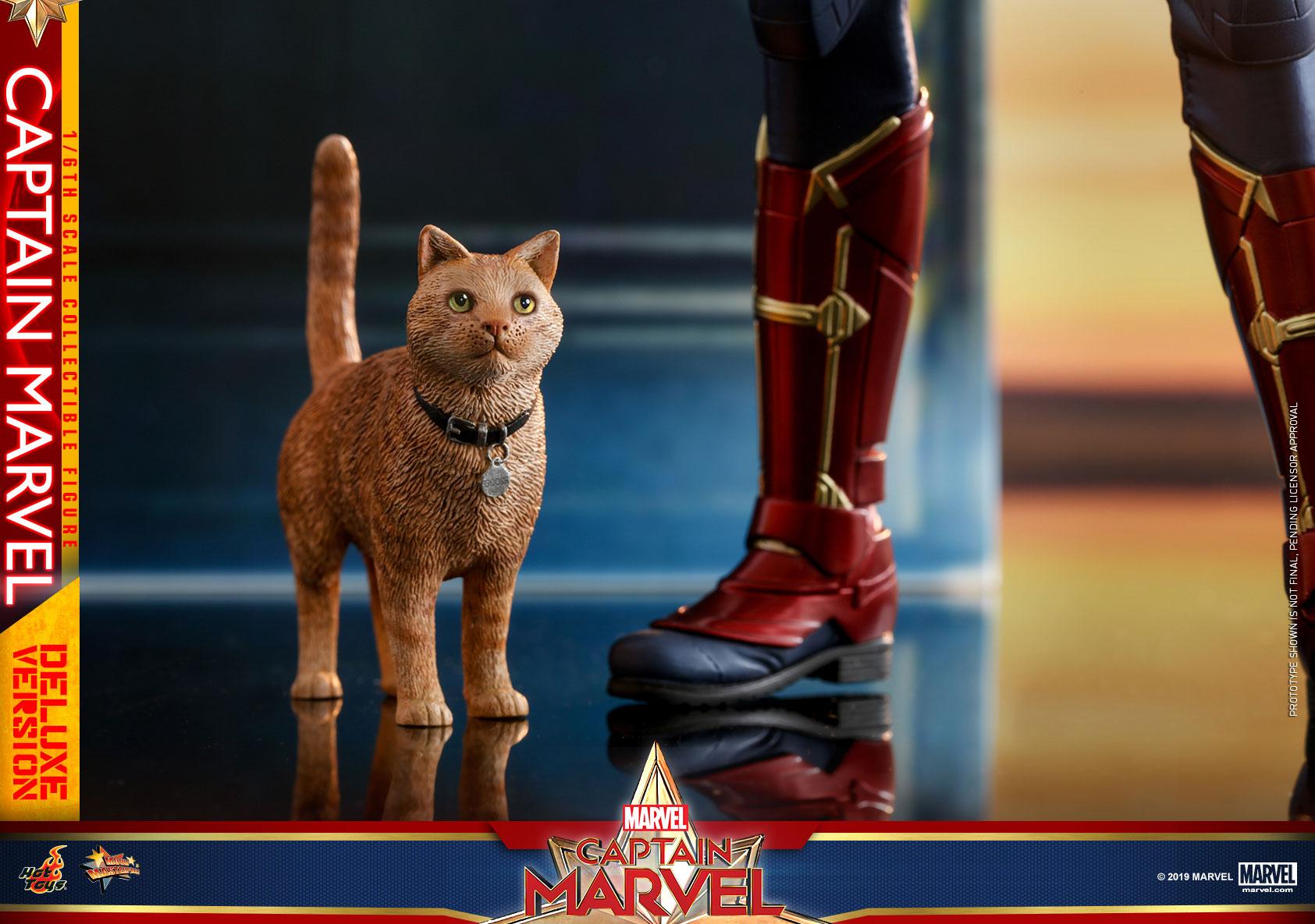 Hot-Toys---Captain-Marvel---Captain-Marvel-collectible-figure-(Deluxe)_PR22