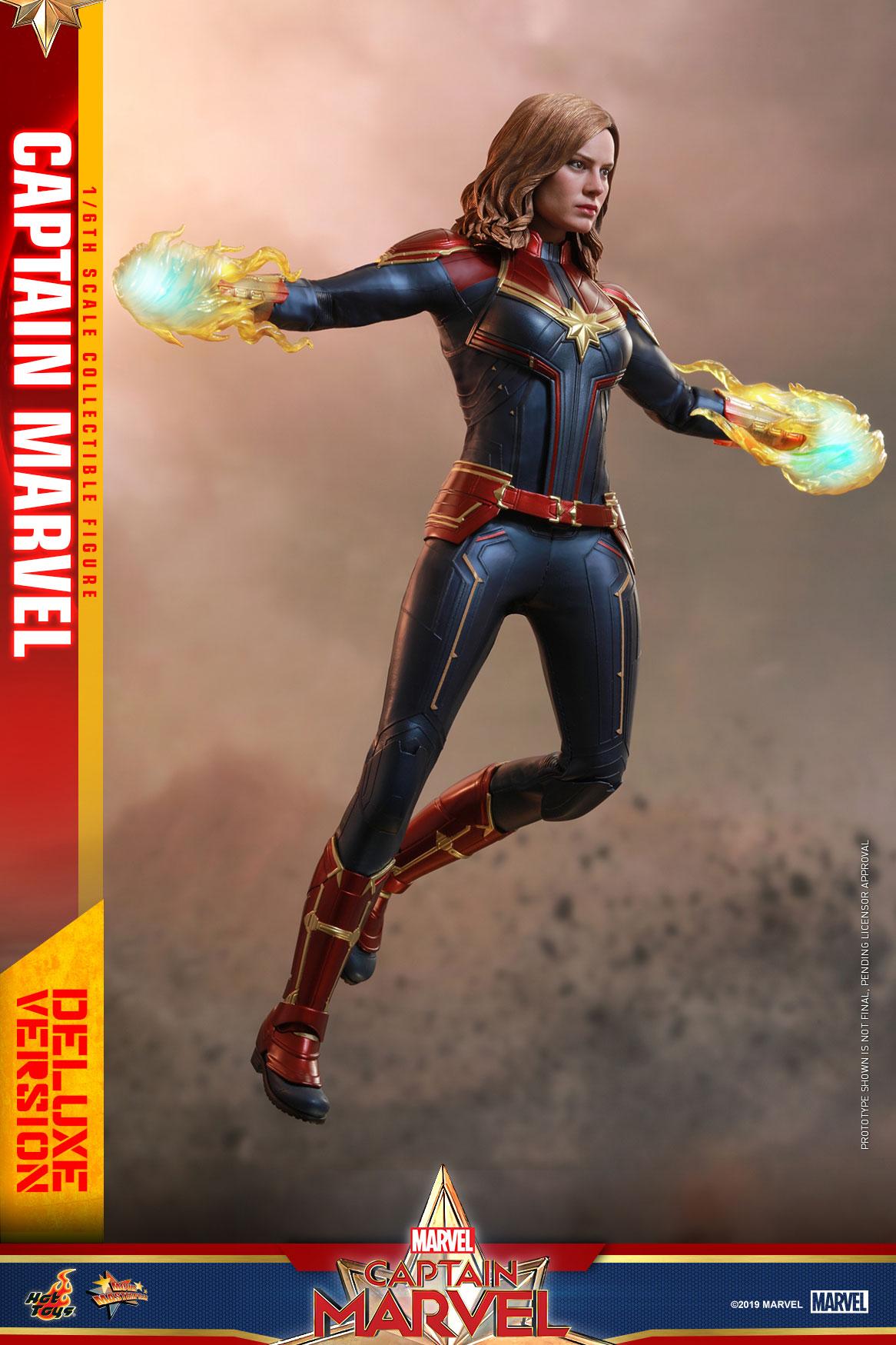 Hot-Toys---Captain-Marvel---Captain-Marvel-collectible-figure-(Deluxe)_PR3