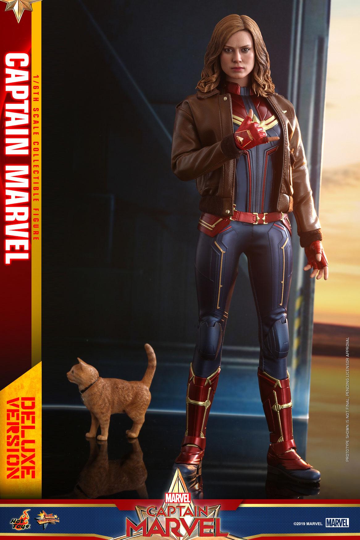 Hot-Toys---Captain-Marvel---Captain-Marvel-collectible-figure-(Deluxe)_PR9