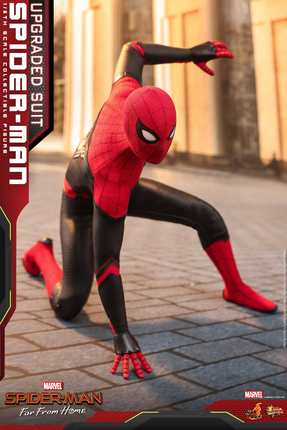 Hot-Toys---SMFFH---Spider-Man-(Upgraded-Suit)-collectible-figure_PR11