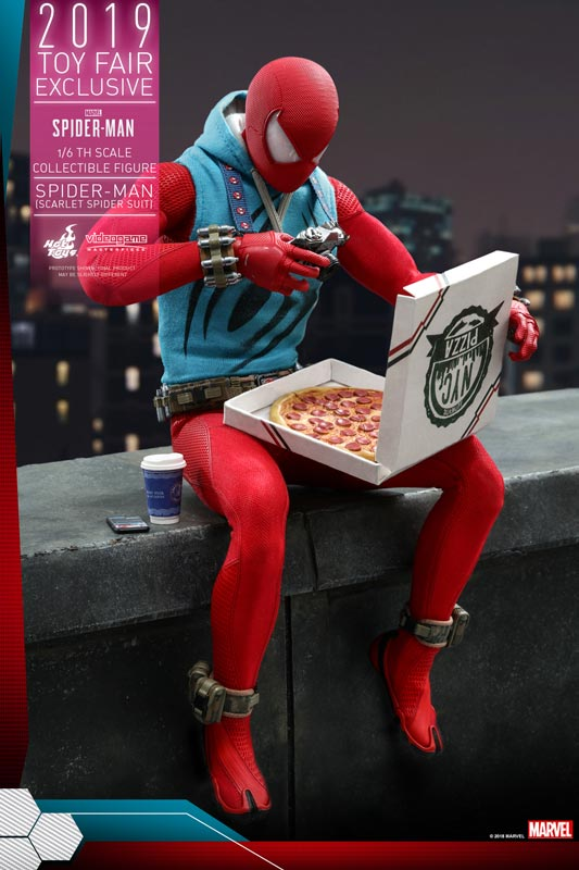 Hot-Toys---Marvel-Spider-Man---Spider-Man-(Scarlet-Spider-Suit)-collectible-figure_PR12